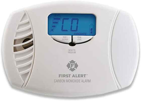 #5. FIRST ALERT CO615 Plug-In Dual Power CO Detector Alarm w/Digital Display