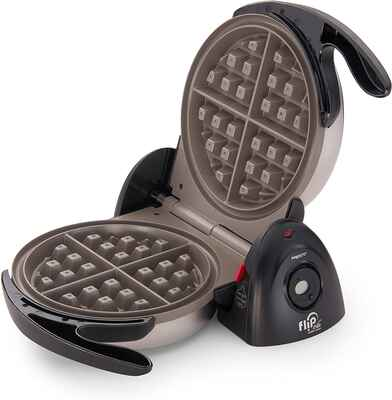 #4. Presto Dual Function Base Countdown Timer 03510 Ceramic FlipSide Belgian Mini Waffle Maker