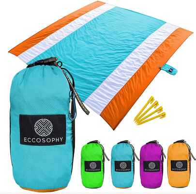 #2. ECCOSOPHY Lightweight Sand-Proof Beach Blanket Over-Sized Outdoor Heat-Resistant Beach Mat
