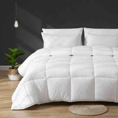 #1. APSMILE 100% Cotton Quilted Full/Queen Stand-Alone Comforter White Down Alternative